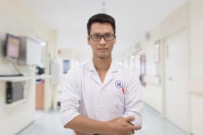 Bác sĩ Mạc Duy Quang
