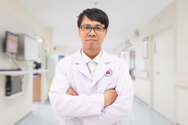 Bác sĩ Nguyễn Văn Thuận
